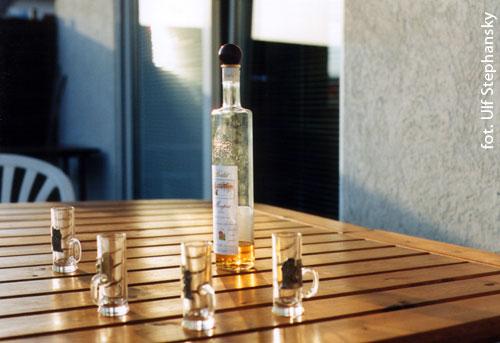włoski winiak, alkohol, napitek, trunek, procenty,