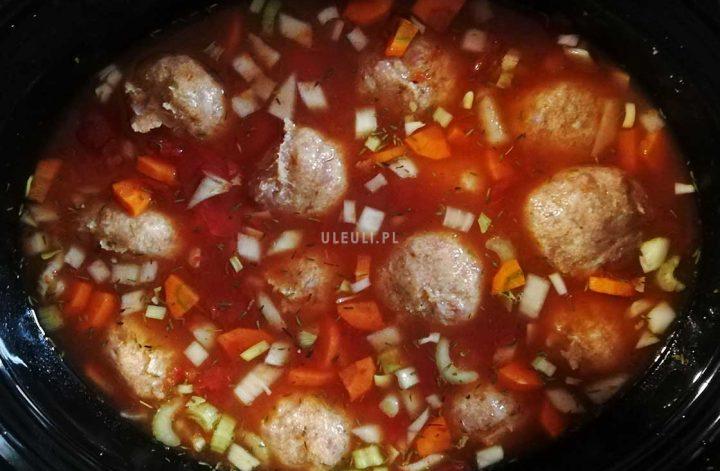 pomidorowa z klopsikami